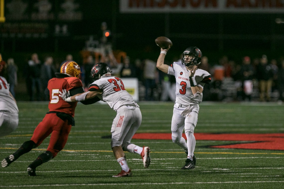 Brendan Costello passes against Mission Viejo. Photo: Alan Gibby/Zone57