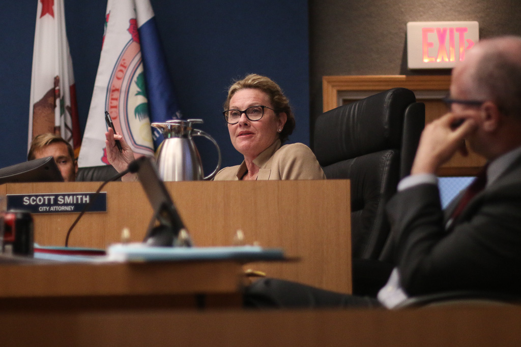 City Councilmember Kathy Ward explains her reasoning to approve the city manager's contract at the Tuesday, Nov. 20, San Clemente City Council meeting. Photo: Eric Heinz
