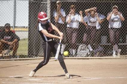 San Clemente softball is full of young but experienced players that are ready to grow into a league contender this season. Photo: Zach Cavanagh