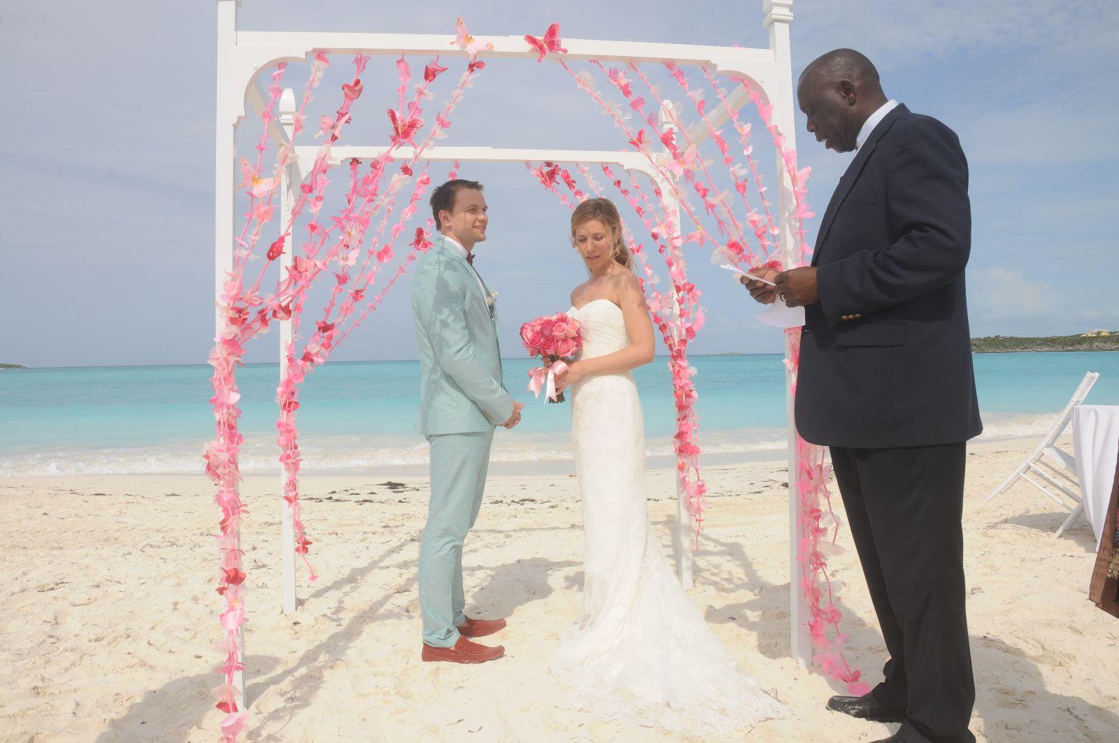 real weddings grazina ruslanas tie the knot 16 ways wedding sandals G and R wedding