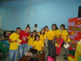 Dirigentes de la Pastoral Juvenil de la Diócesis en el día del lanzamiento del material para Pascua Joven 2014 hecho por ellos mismos. (Imagen facebook María Liz Medina)