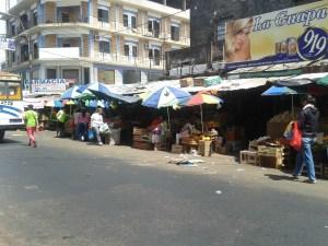 Tanto el gobierno como los trabajadores del mercado presentaron sus propuestas.