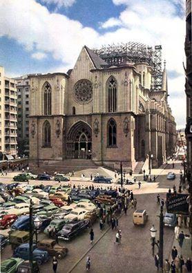 Catedral da Sé em construção no ano de 1950.