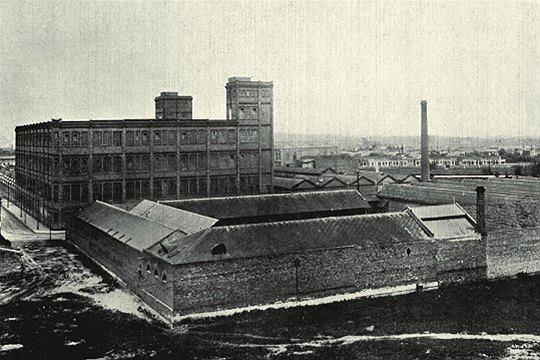 Cotonifício-Rodolfo-Crespi-na-Mooca-em-São-Paulo-SP-inaugurado-em-1897-numa-imagem-rara.