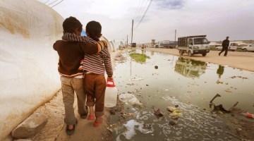 siria-bimbi-abbracciati