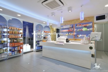 pharmacy-counter_011