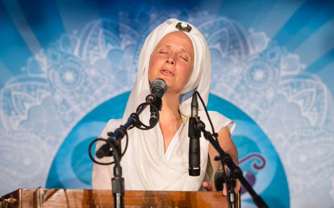 10 Reasons to Chant: The Benefits of Mantra Meditation