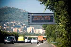 2048x1536-fit_marseille-le-22-aout-2011-illustration-sur-la-pollution-de-l-air-et-l-ozone