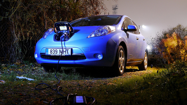 Cool Picture of Nissan Leaf