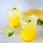 DSC_8918 detox coconut pineapple water