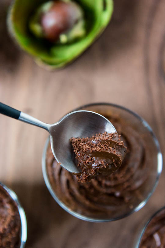 Five ingredient dark chocolate avocado mousse, vegan with no refined sugars!