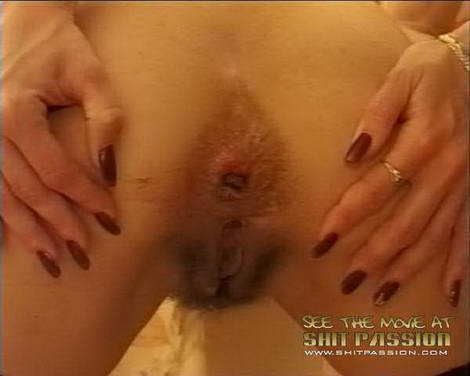japanese girls pooping