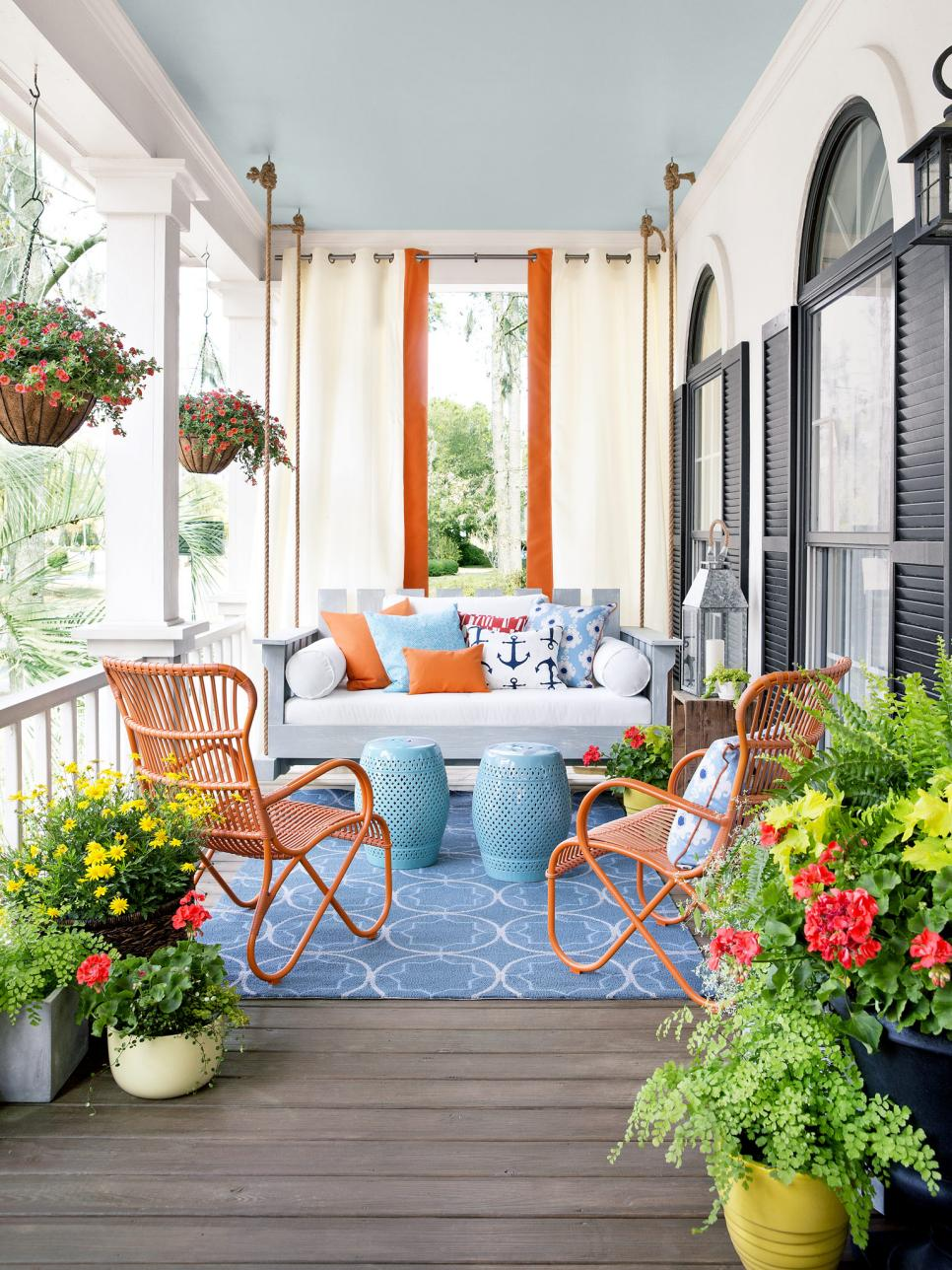 8 budget friendly spring front porch decor ideas Front porch decor ideas