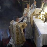 Fête-Dieu 2012 : l'élévation du Corps du Seigneur