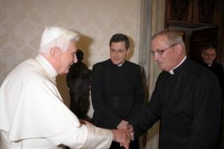 Monsieur l'Abbé Coiffet avec Sa Sainteté le Pape Benoît XVI