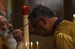 24-Vigile de Noël - onctions d'huile durant le chant du canon de matines