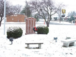 Sappington-Concord Memorial Park in first snow of December 2013.