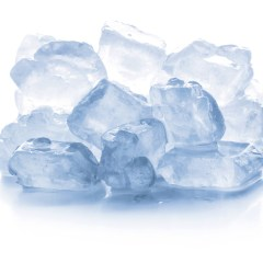 Perché non possiamo mettere il ghiaccio nel microonde