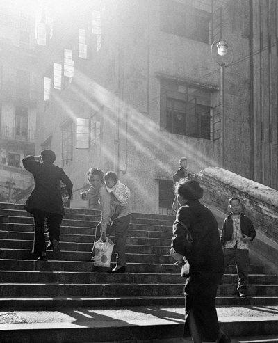 Street life: Hong Kong in the 1950s as seen through the ...