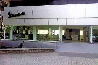 A-Piaggio-Vespa-dealership-in-India