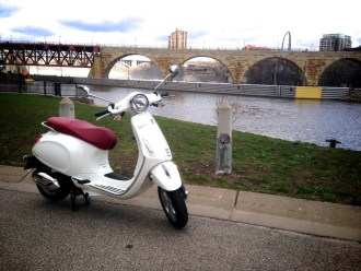 ScooterFile First Ride - 2014 Vespa Primavera 150 3Vie 10
