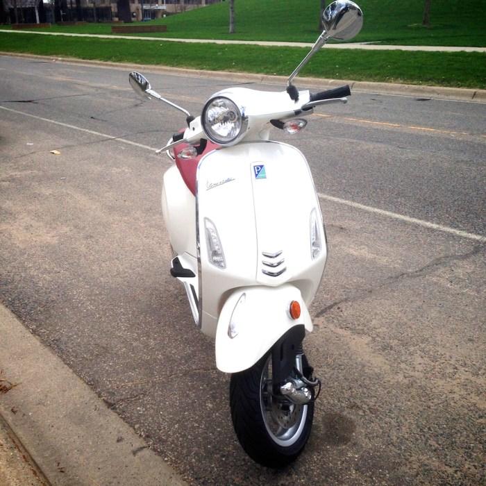 ScooterFile First Ride - 2014 Vespa Primavera 150 3Vie 13