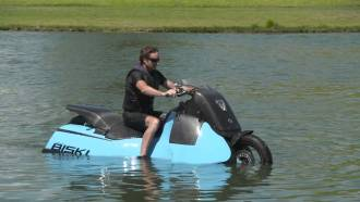 "500 Pound Amphibious ""Scooter"" May be the Most Frightening Ever Built"