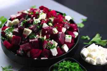 BBeetroot and Feta Cheese Salad - SUPER easy but packed with flavors and nutrients | ScrambledChefs.com