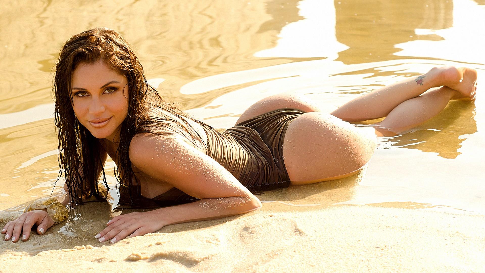 Brazilian Models Screensaver