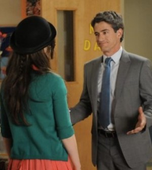 Zooey Deschanel and Dermot mulroney in NEW GIRL. Image © Fox Broadcasting Company.