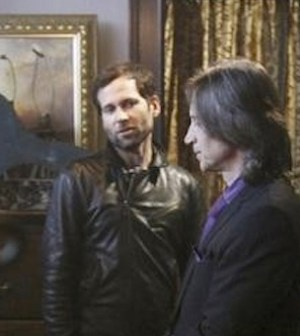 Eion Bailey, Robert Carlyle in Once Upon a TIme (Photo © ABC/Jack Rowand)