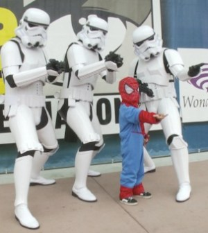 Spiderman-Storm-Troopers