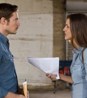 Josh Henderson and Julie Gonzalo in Dallas. Photo by Zade Rosenthal. Image © TNT.