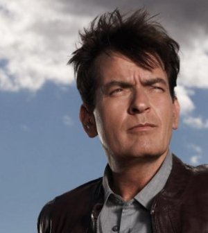 Charlie Sheen in a promotional photo for the FX series Anger Management (Image © FX Network)