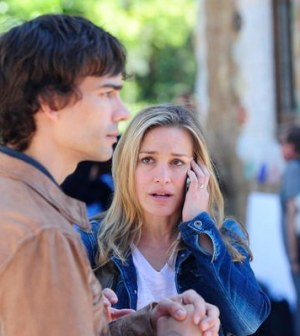 Christopher Gorham as Auggie Anderson, Piper Perabo as Annie Walker -- (Photo by: Manu Fernandez/USA Network)
