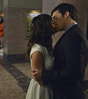 Lucy Hale and Ian Harding in Pretty Little Liars. Image by Eric McCandless. © ABC Family