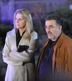 Lindsay Wagner as Dr. Vanessa Calder, Saul Rubinek as Artie Nielsen (Photo By: Steve Wilkie/SyFy)