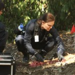Bones-Ep803-Bones_and_Booth_face_off_sc-3_0019
