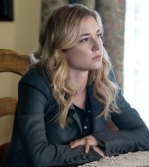 Emily Van Camp as Emily Thorne in Revenge. Image © Colleen Hayes/ABC