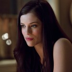 Pictured: Jessica De Gouw as Helena -- Photo: Jack Rowand/The CW