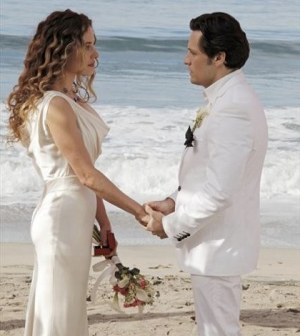 Margarita Levieva and Nick Wechsler in Revenge. Image © ABC