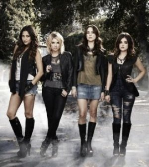 SHAY MITCHELL, LUCY HALE, TROIAN BELLISARIO, ASHLEY BENSON. IMAGE © ABC FAMILY
