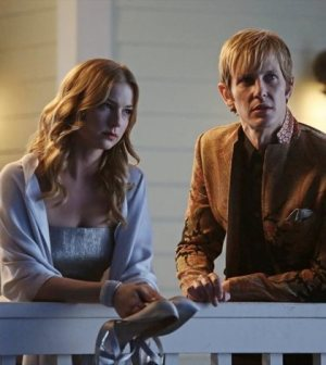 Emily VanCamp and Gabriel Mann in Revenge. Image © ABC