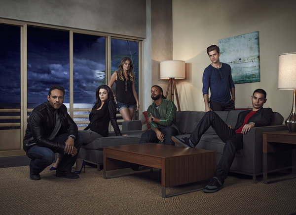 (l-r) Aaron Tveit as Mike Warren, Vanessa Ferlito as Charlie Lopez, Serinda Swan as Paige Arkin, Brandon Jay McLaren as Dale Jakes, Daniel Sunjata as Paul Briggs, Manny Montana as Johnny Tuturro -- (Photo by: James Minchin III/USA Network)