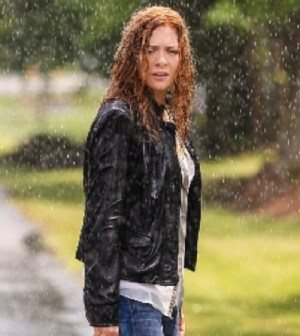 Pictured: Rachelle Lefevre as Julia Shumway. Photo: Kent Smith/©2013 CBS Broadcasting Inc. All Rights Reserved.