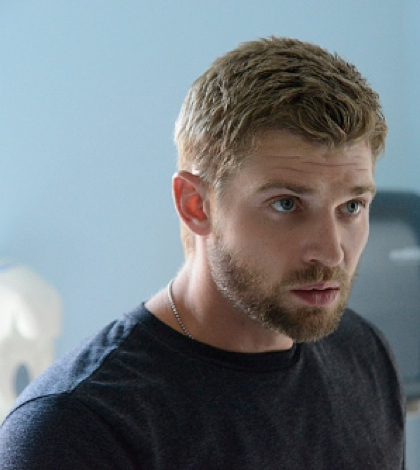 "Mike Vogel as Dale ""Barbie"" Barbara. Image © CBS"