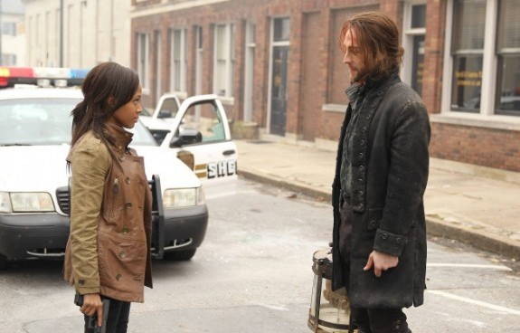 Nichole Beharie as Abbie Mills, Tim Mison as Ichabod Crane -- ©2013 Fox Broadcasting Co.
