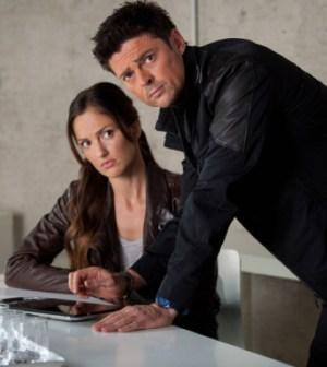 Det. Valerie Stahl (Minka Kelly) and Det. John Kennex (Karl Urban). Co. Cr: Liane Hentscher / FOX