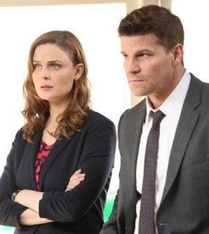 Booth (David Boreanaz, R) and Brennan (Emily Deschanel, L) . Co. Cr: Patrick McElhenney/FOX
