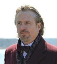 Pictured: Linus Roache as The Kingmaker -- Photo by: Nicole Rivelli/NBC